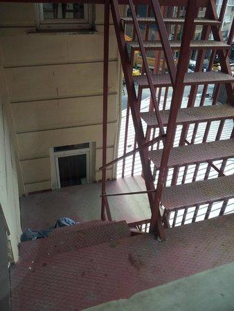 Al Sinno Hotel: our room view!!!!