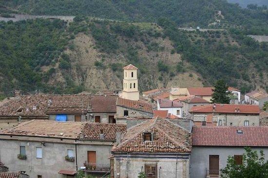 Cersosimo, Ιταλία: Vista dalla collina degli scavi archeologici...