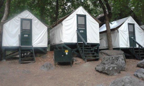 Half Dome Village : tende a schiera