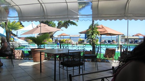 Fiji Hideaway Resort & Spa: View of Pool from lower deck of restaurant