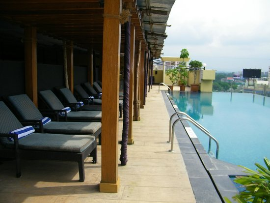 Royal Orchid Central Pune : Pool area