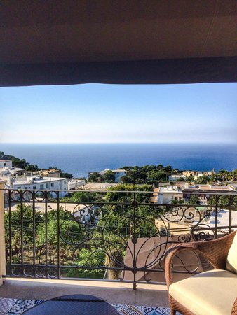 Capri Tiberio Palace : morning view