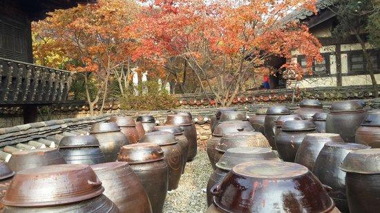 Korean Folk Village: These are familiar in every Korean home