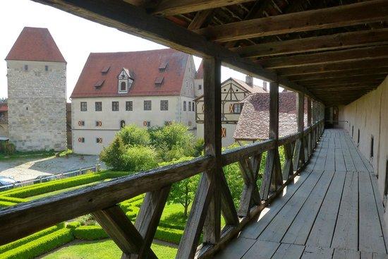 Harburg Castle: Vom Wehrgang aus