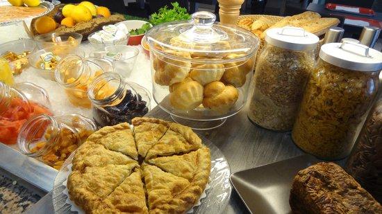 BEST WESTERN Saphir Lyon: Buffet petit déjeuner
