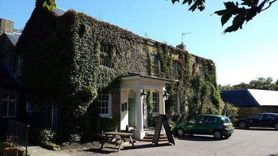 The Grove Pantry Pub & Inn: Ferry Grove Inn