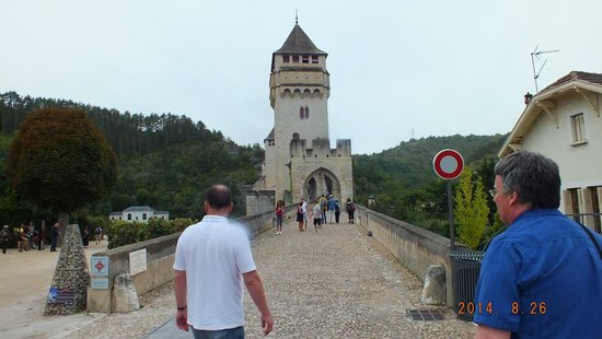 Pont Valentre : Towering heights!