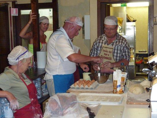 Rome Tour Guide Tours: Pasta making