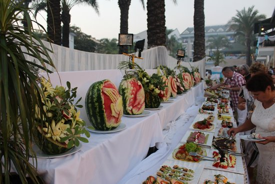 Alva Donna Beach Resort Comfort: Gala dinner - at pool