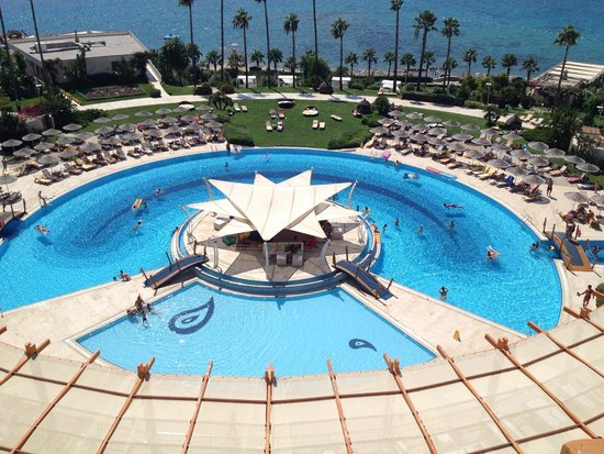 Kefaluka Resort : The outdoor pool
