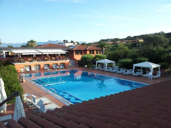 Hotel Club Saraceno: Piscina e Sala Colazione