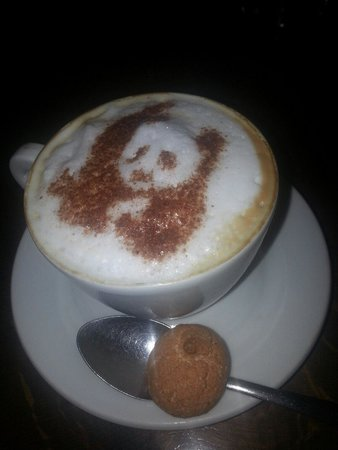 Spizzico: Panda topped coffee.