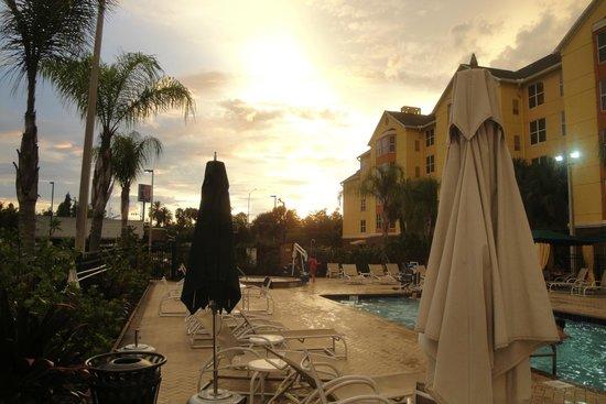 Homewood Suites by Hilton Orlando-Nearest to Univ Studios: piscine