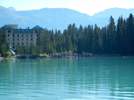 Fairmont Chateau Lake Louise : View from a canoe on the lake