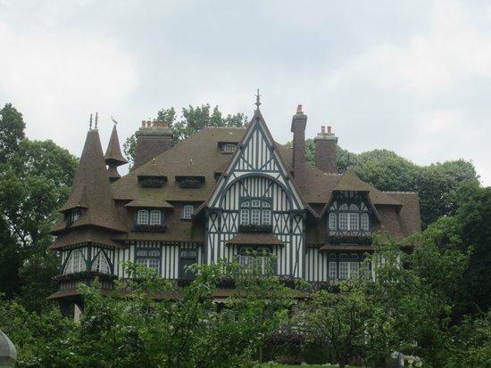 Ibis Budget Deauville: Villa Strassburger.