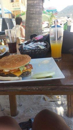 Honky Tonk Bar: That's the honky tong burger