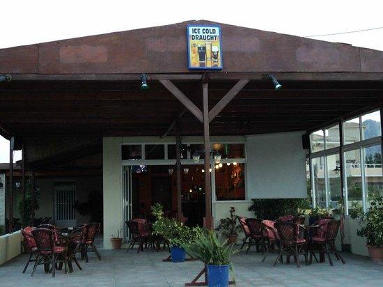 Antonis Cocktail Bar: best cocktail bar at kolimpia