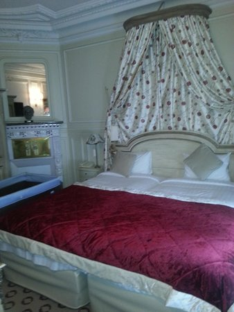 Hôtel Résidence Henri 4: bedroom - Marie Medici Suite