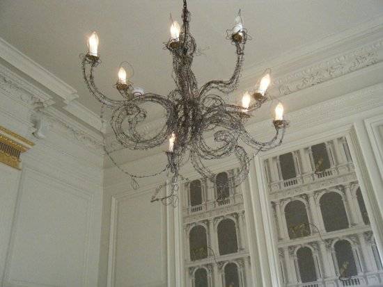 The Judges Lodging: Gorgeous  chandelier.