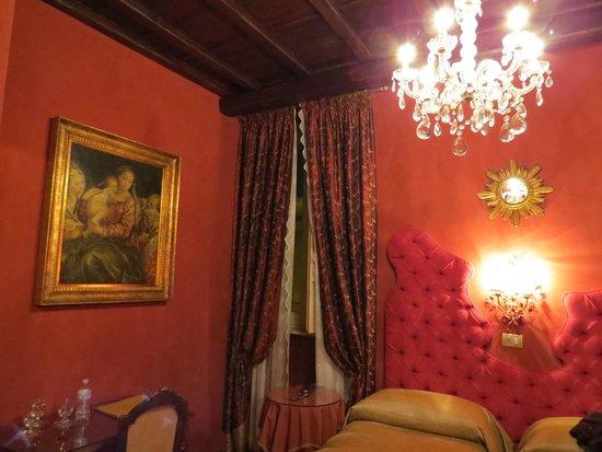 Boutique Hotel Campo de Fiori: Our triple room