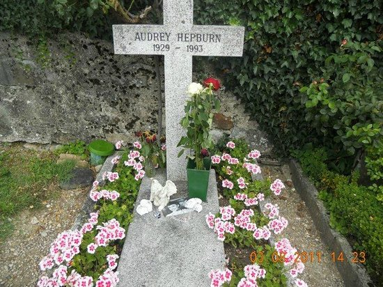 Morges, Switzerland: Tomba Audrey Hepburn