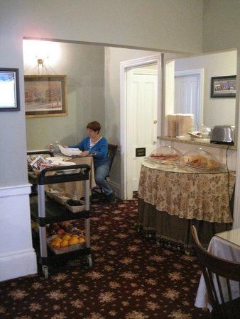 Essex Street Inn & Suites : Breakfast