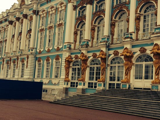 Ludmila Tours - Tours in Russia: Amazing palaces