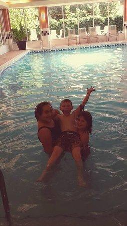 Hilton Garden Inn Chicago/Tinley Park: Kids Swimming at the HGI- Tinley Park