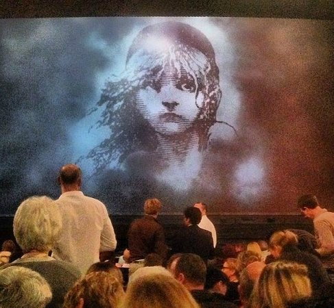 Les Miserables London : From Inside before it starts