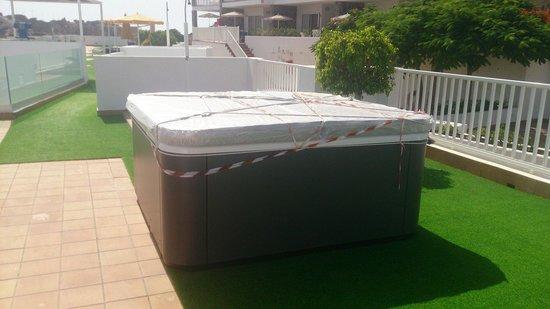 Hotel Altamadores: New hot tub coming 2015