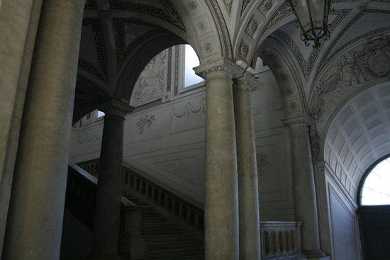 Monastero dei Benedettini: Le scale