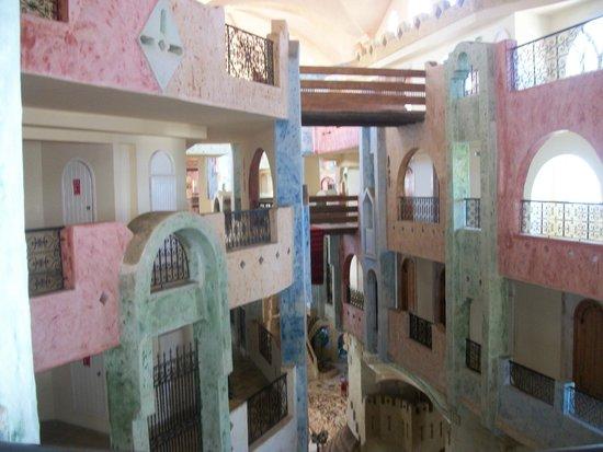 Lella Baya & Thalasso Hotel: vue des ascenseurs 3ème étage