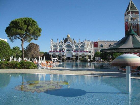 Venezia Palace Deluxe Resort Hotel: Mehdi. Main building