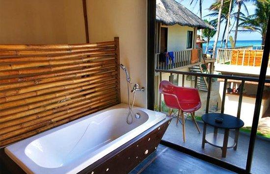 Boracay Kiteresort: Bathtub with a view
