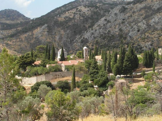 Nea Moni Monastery: Dit is de ligging van het klooster op de berg.