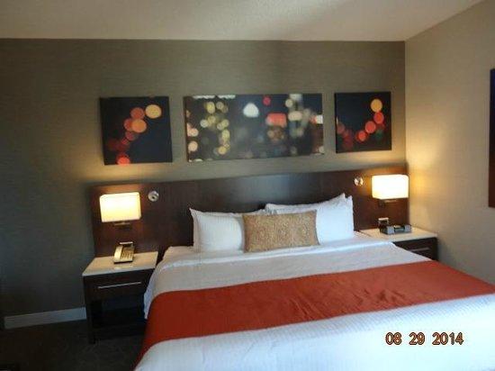 Delta Hotels par Marriott Montréal : Bedroom angles