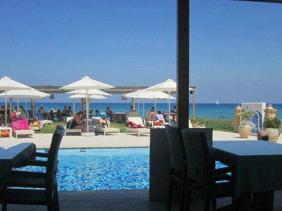 Iakinthos: dal tavolo della colazione all'hotel