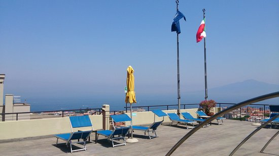 Hilton Sorrento Palace : View from the rooftop pool
