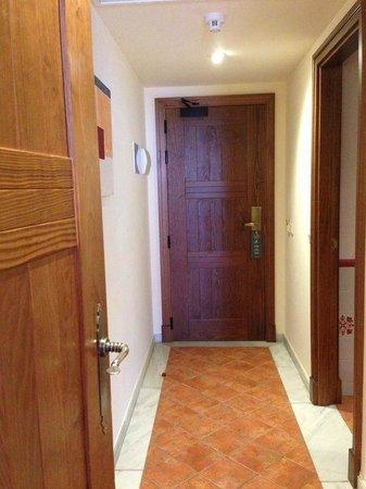 Hotel Fuerte Conil - Costa Luz: Distribuidor habitación