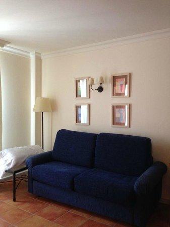 Hotel Fuerte Conil - Costa Luz: Sala estar habitación