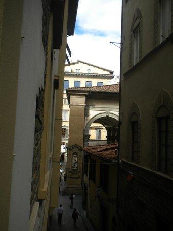 La Signoria di Firenze B&B: Looking from the hotel towards the Via Calimala