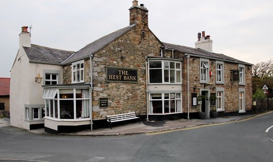 Hest Bank Inn: Front of Pub