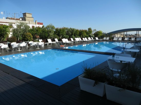 Shows Radisson Blue hotel
