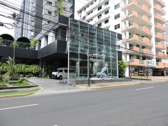 Riande Granada Urban Hotel: Frente