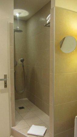 Hotel Le Royal Lyon - MGallery Collection : La doccia
