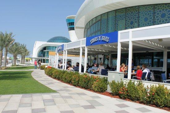 Stars 'n' Bars - Abu Dhabi