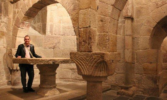 Cripta Del Monasterio De Leyre, Navarra: Fotografía De