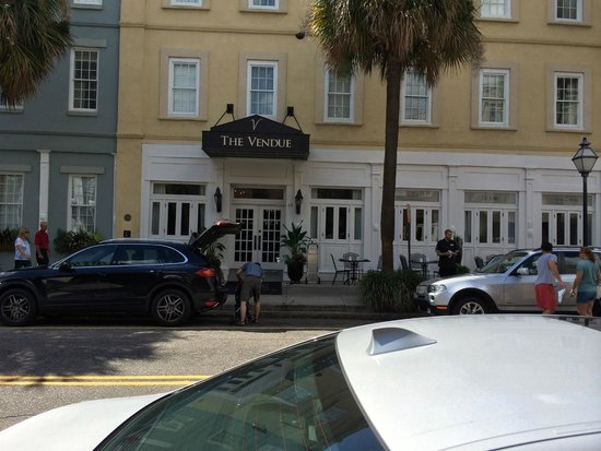 The Vendue Charleston's Art Hotel : front of 19 Vendue