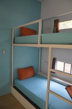 Glur Hostel: Ensuite Room bunk beds