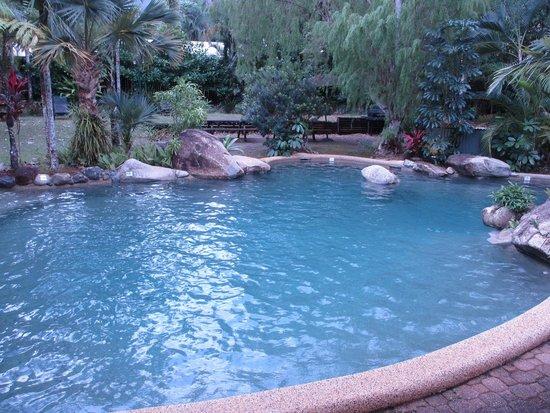 Ferntree Rainforest Lodge: Children's pool near main reception.